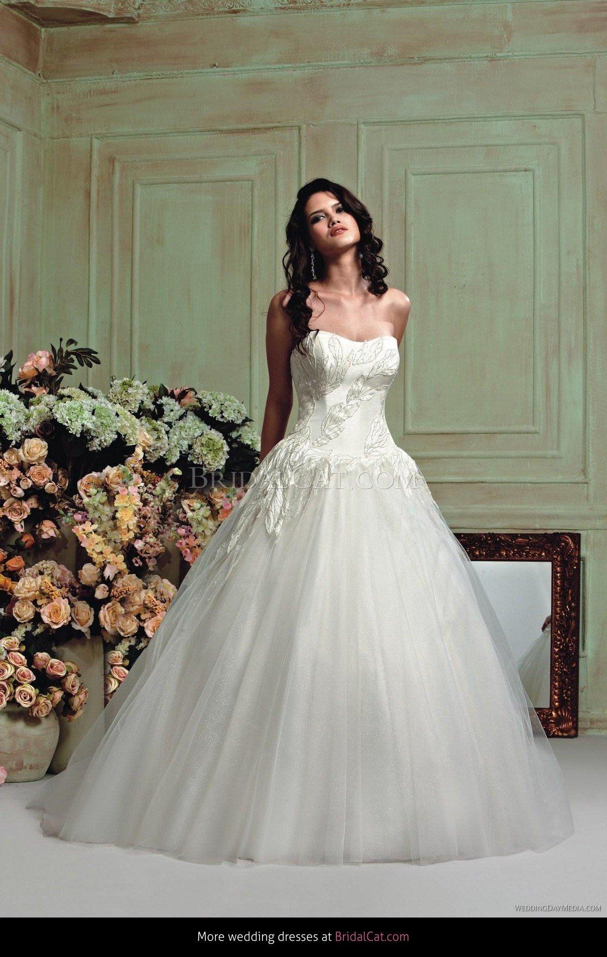 New veromia wedding dresses 169247vr61323 2 04aruba895 09d67ce4b5 1 ad1ebde212 veromia style vr61257 ombrellifo Choice Image