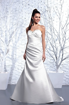 beautiful D'Zage brand new bridal gowns